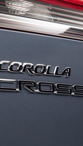 2022_Toyota_Corolla_Cross_Celestite_006-scaled
