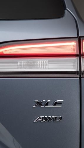 2022_Toyota_Corolla_Cross_Celestite_007-scaled