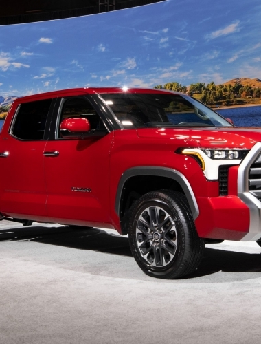 2022_Toyota_Tundra_Limited_SupersonicRed__004