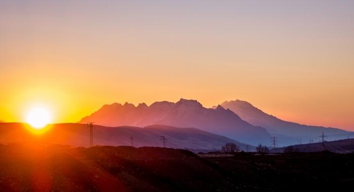 Dokan_Mountain_at_Sunrise